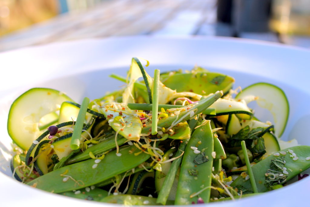 Green salad - Why Spring is a Great Time to Improve your Nutrition blog post